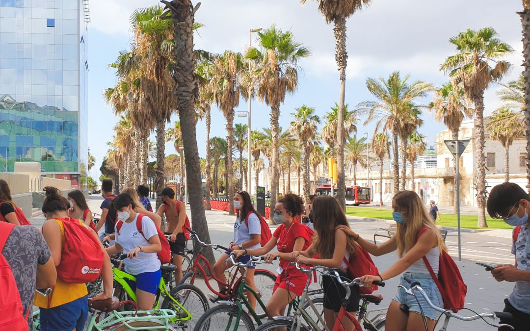 Mamadou's Barcelona, a social activity by bicycle